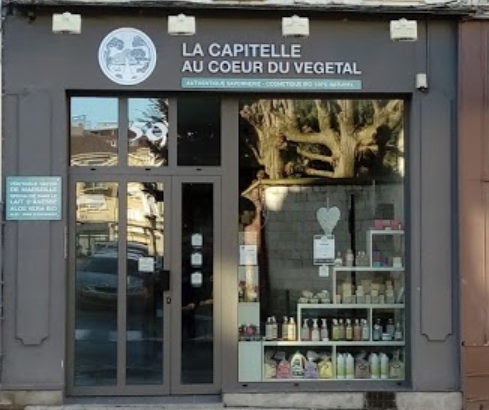 LA CAPITELLE AU CŒUR DU VÉGÉTAL
